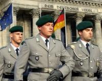 Für mehr Militarismus fighten